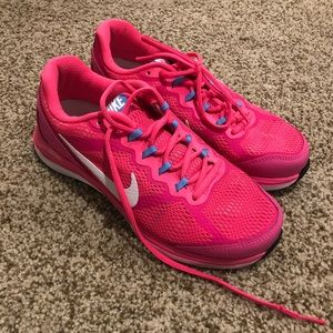 BRAND NEW Hot pink Nike sneakers!